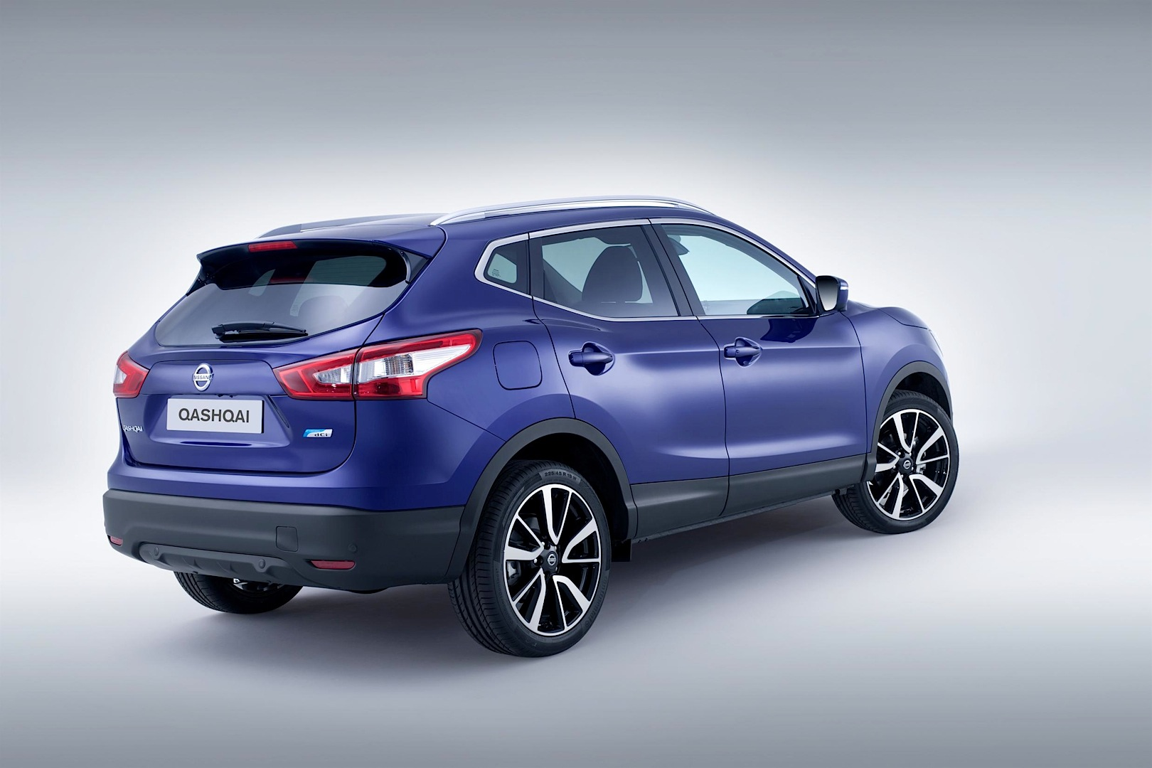 the next generation nissan qashqai revealed video autoevolution. Black Bedroom Furniture Sets. Home Design Ideas