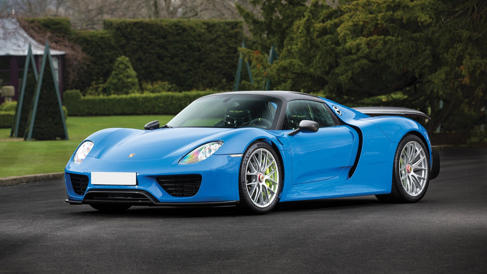 the-only-918-produced-in-porsches-historic-arrow-blue_15 Gorgeous Porsche 918 Spyder Acid Green Cars Trend