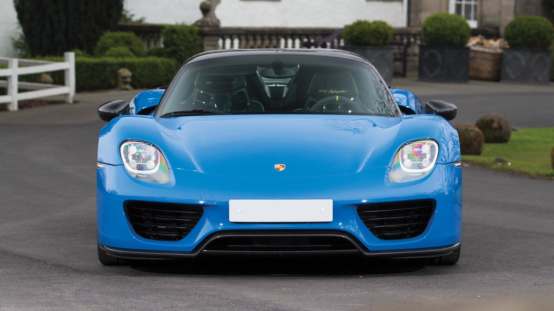 the-only-918-produced-in-porsches-historic-arrow-blue_3 Amazing Porsche 918 Spyder sold Out Cars Trend