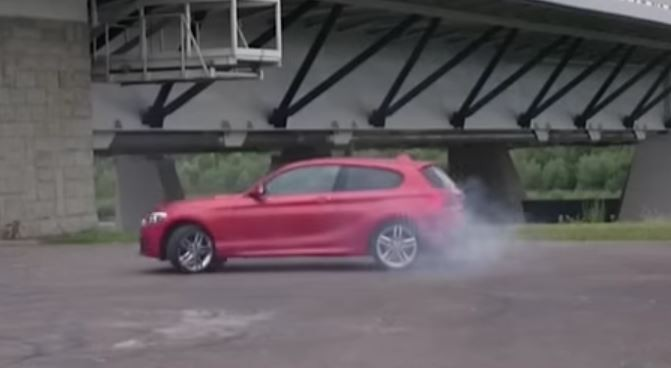 The Only Bmw 118i Video Review With 3 Cylinder Donuts Autoevolution