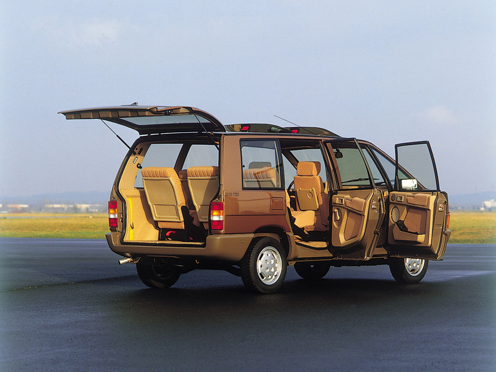 the renault espace a nod to practicality and usability autoevolution. Black Bedroom Furniture Sets. Home Design Ideas