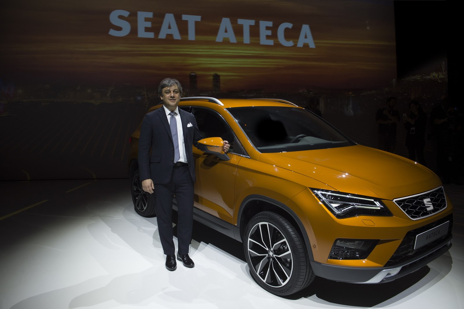 the seat ateca suv debuts with led lights and up to 190 hp autoevolution. Black Bedroom Furniture Sets. Home Design Ideas