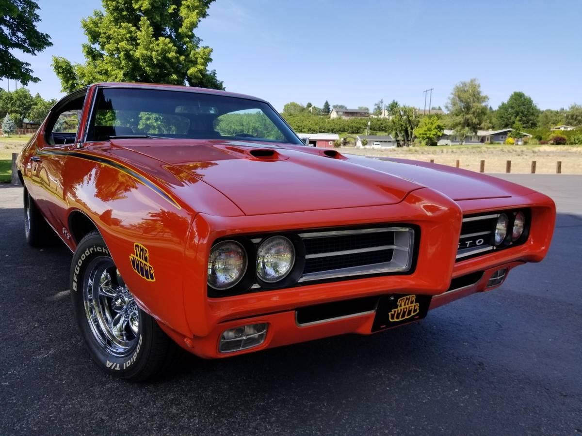 This 1969 Pontiac Gto Judge Hasn T Seen Any Rain Lately Looks Truly Fabulous Autoevolution