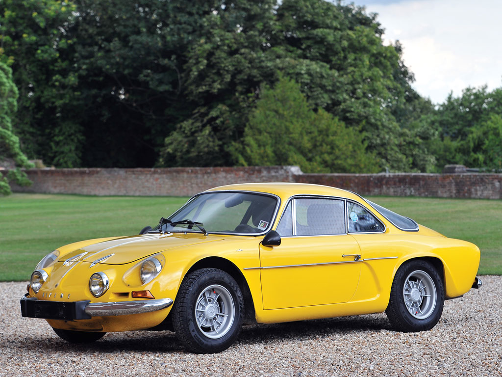 this alpine renault a110 is looking for a new owner autoevolution. Black Bedroom Furniture Sets. Home Design Ideas