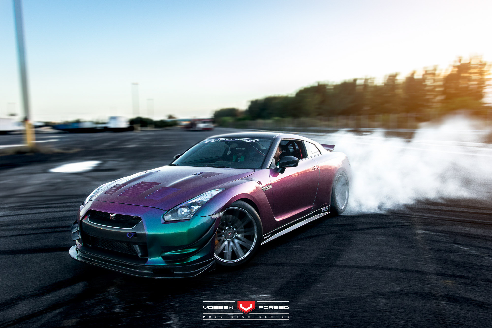 Bien connu This Bearded Man Has an RWD Nissan GT-R with Color Flip Paint  HE71