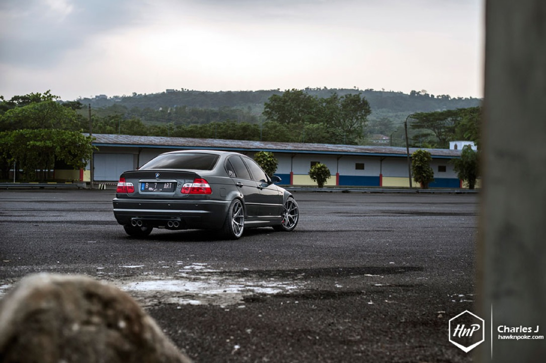 this bmw e46 m3 sedan has it all autoevolution. Black Bedroom Furniture Sets. Home Design Ideas