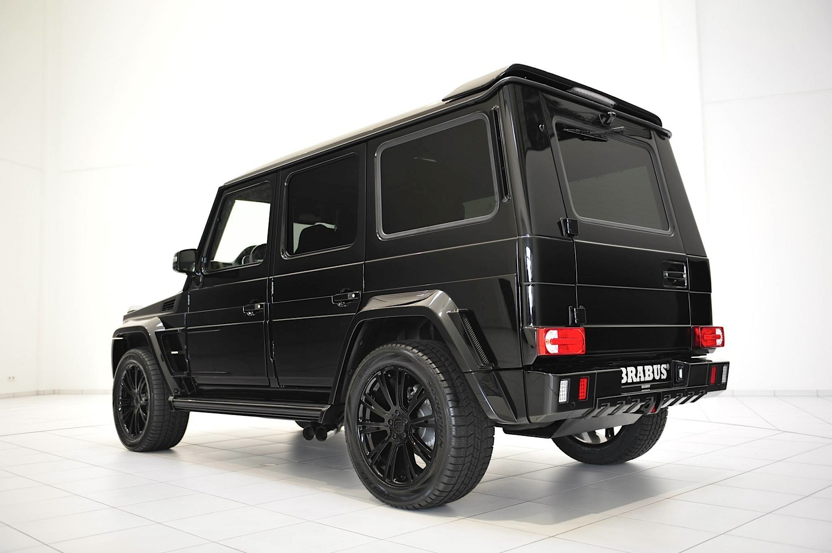this brabus widestar g 63 amg is mean as hell autoevolution. Black Bedroom Furniture Sets. Home Design Ideas