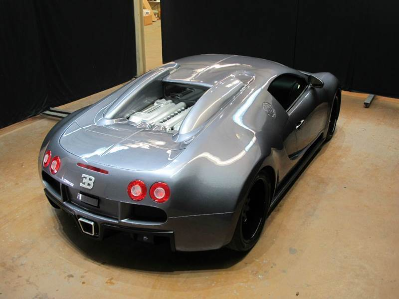 this bugatti veyron replica is so bad it 39 s good autoevolution. Black Bedroom Furniture Sets. Home Design Ideas