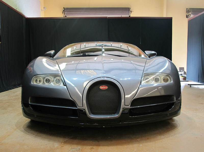 this bugatti veyron replica is so bad it 39 s good autoevolution. Black Bedroom Furniture Sets. Home Design Ideas