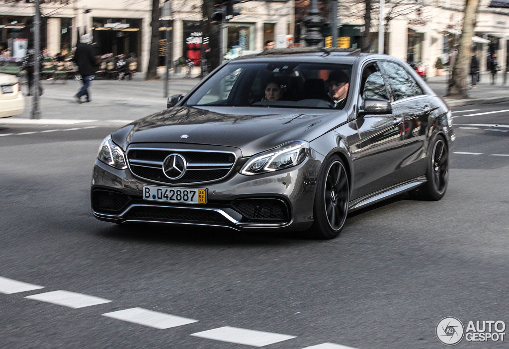 E 63 AMG S-Model 4Matic Wagon Track Tested by Auto Blog