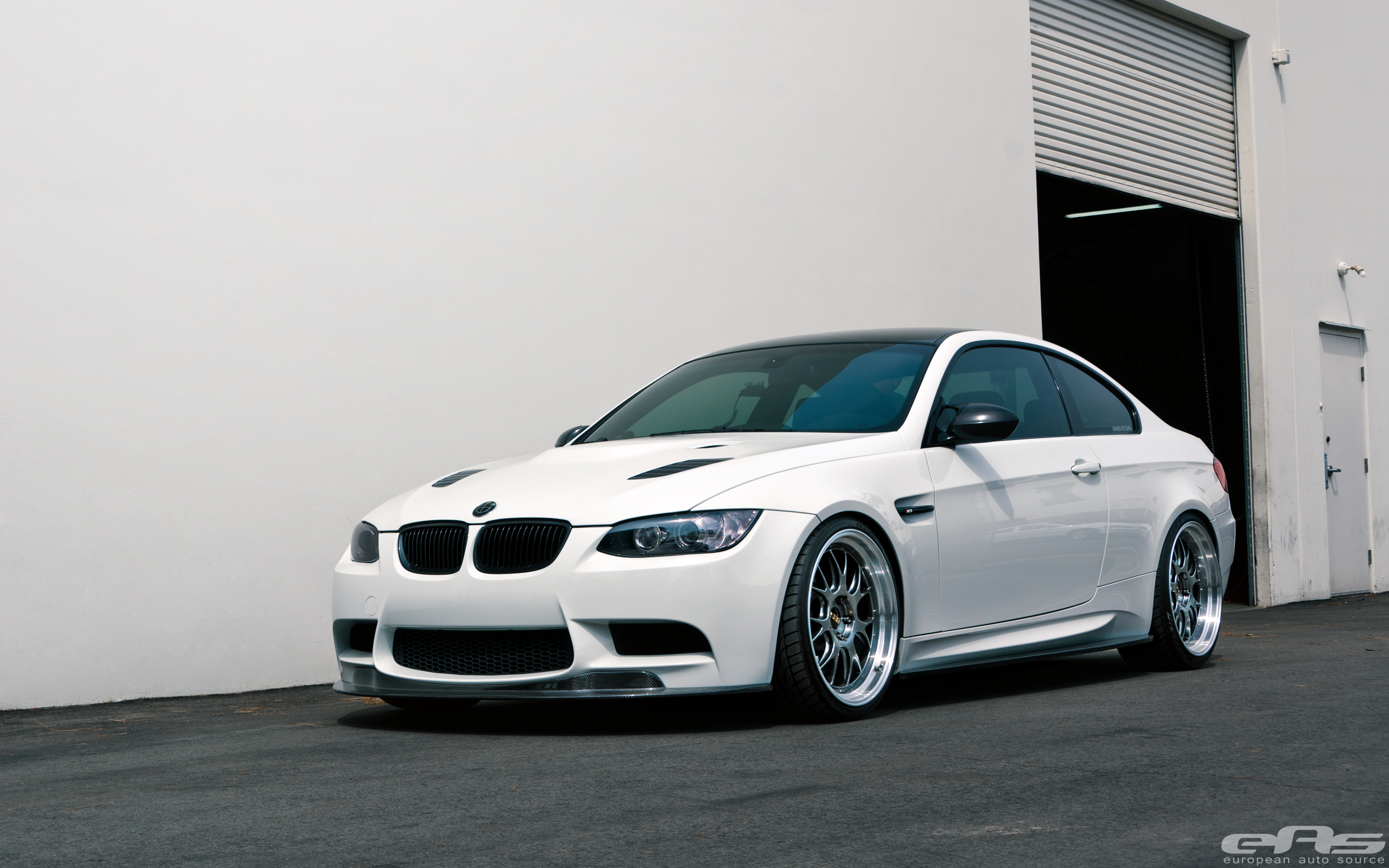 this e92 m3 will make you forget about the new one autoevolution. Black Bedroom Furniture Sets. Home Design Ideas
