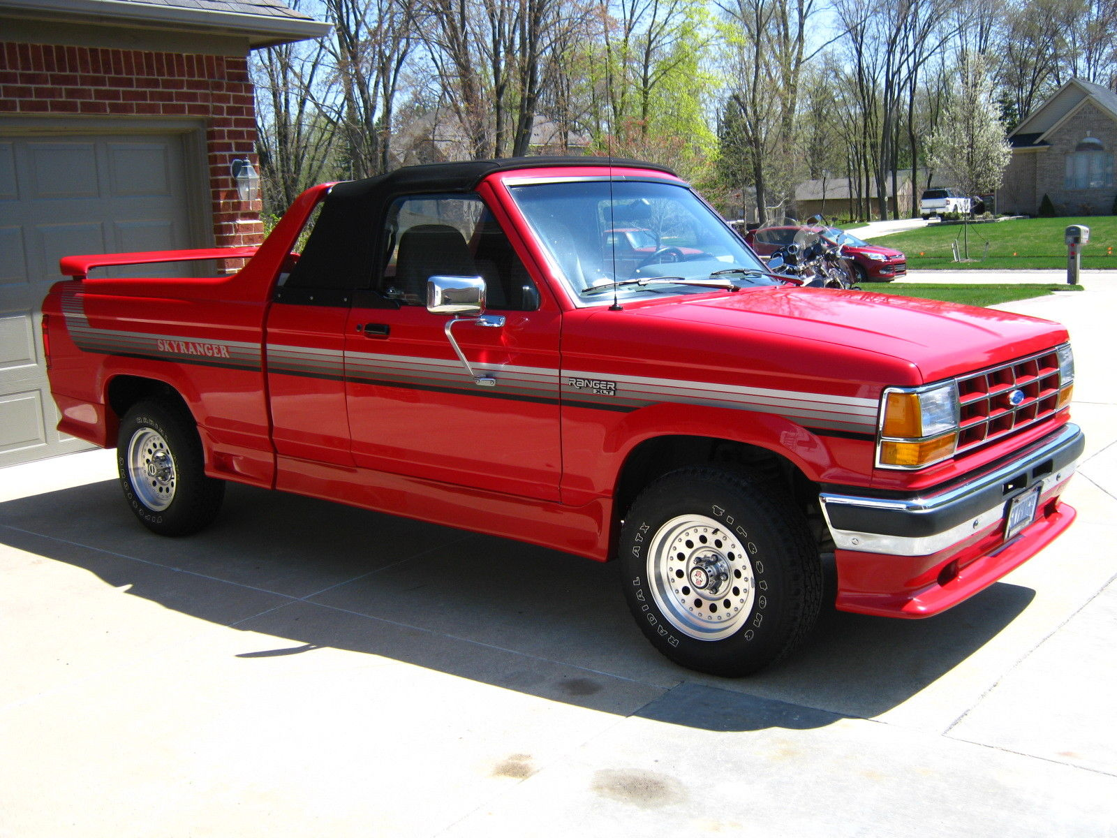 This Ford Skyranger Convertible Is A Rare Pickup Truck Photo Gallery on Dodge Dakota Hood