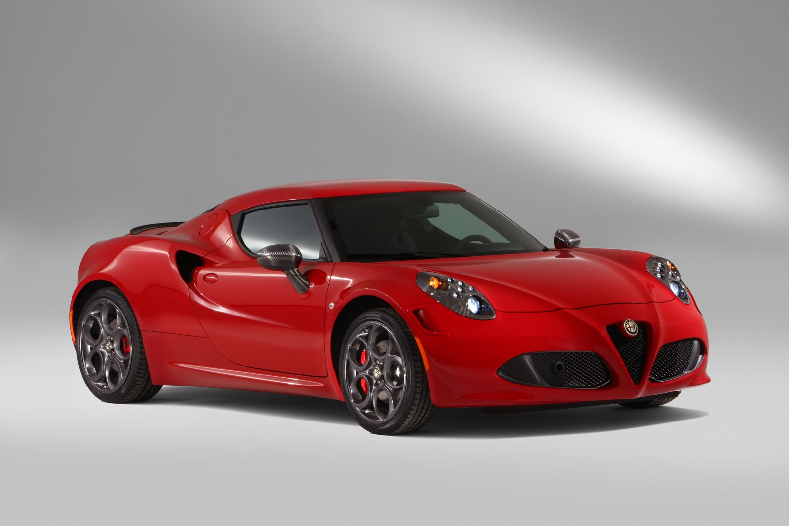 this is how the carbon fiber alfa romeo 4c is made video autoevolution. Black Bedroom Furniture Sets. Home Design Ideas