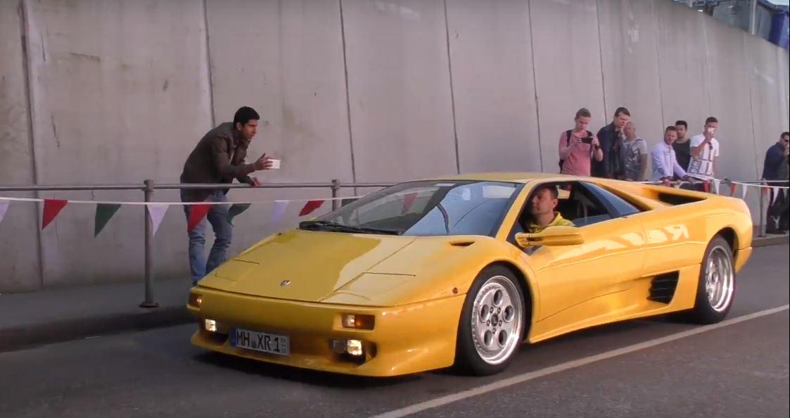 Lamborghini Diablo Owner Drifting The V12 Supercar Offers Quick