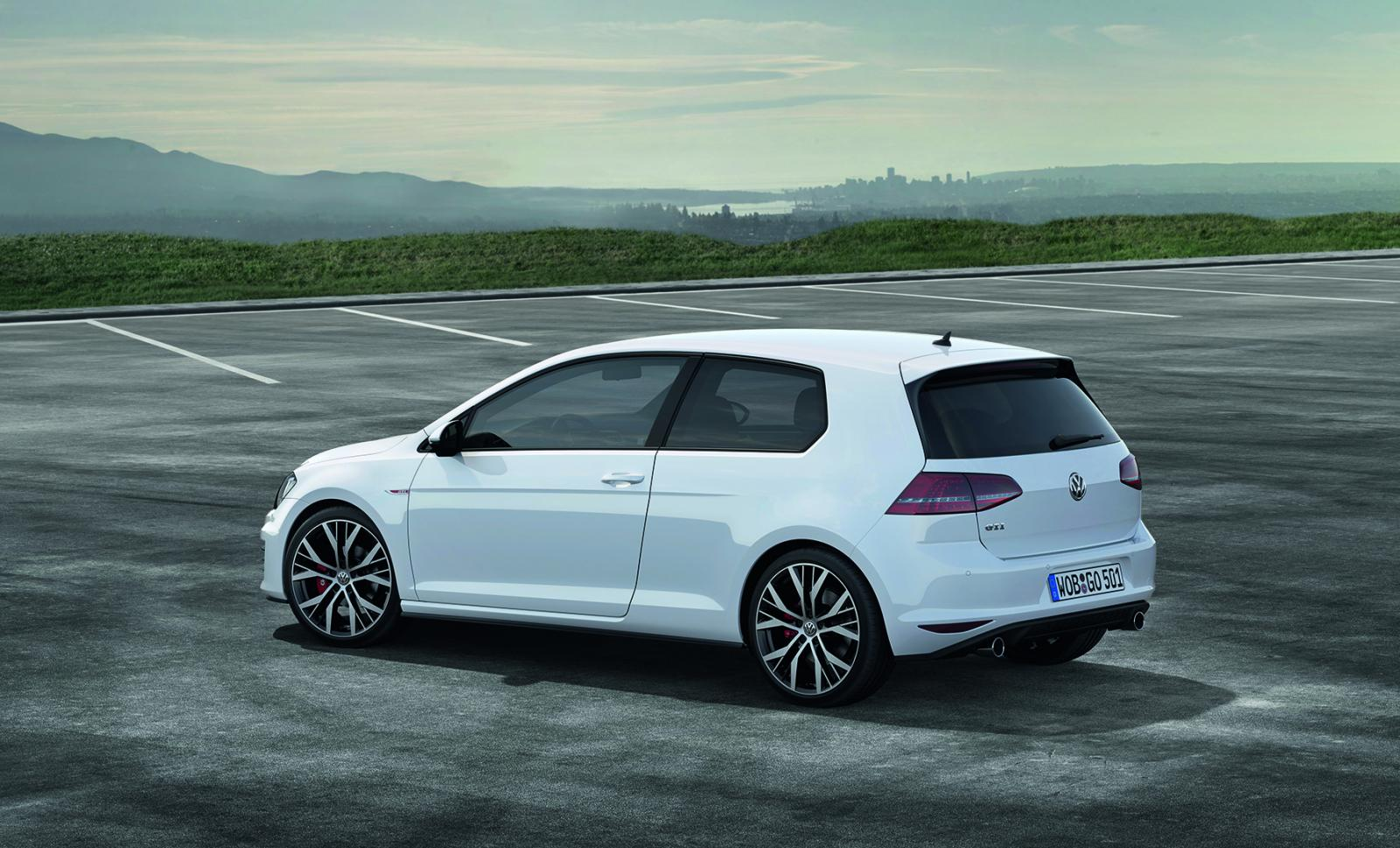this is the 2013 volkswagen golf gti autoevolution. Black Bedroom Furniture Sets. Home Design Ideas