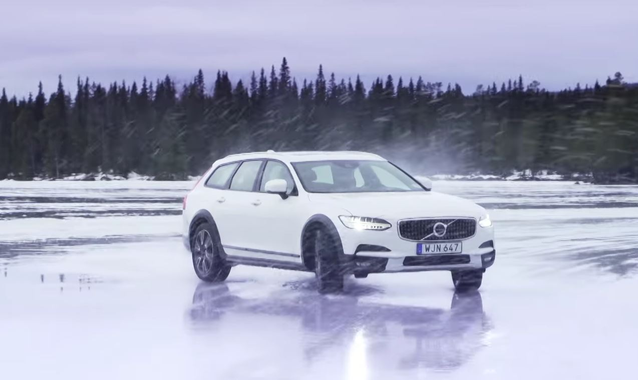 This Is What Ice Drifting A Volvo V90 Cross Country Looks Like The 2018 New