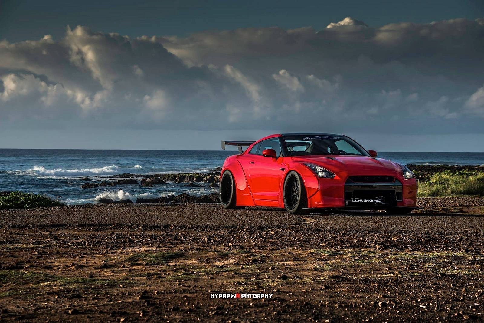 This Liberty Walk Nissan GT-R Shoot in Oahu is A Moving ...