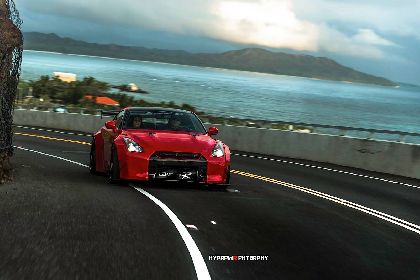 This Liberty Walk Nissan Gt R Shoot In Oahu Is A Moving