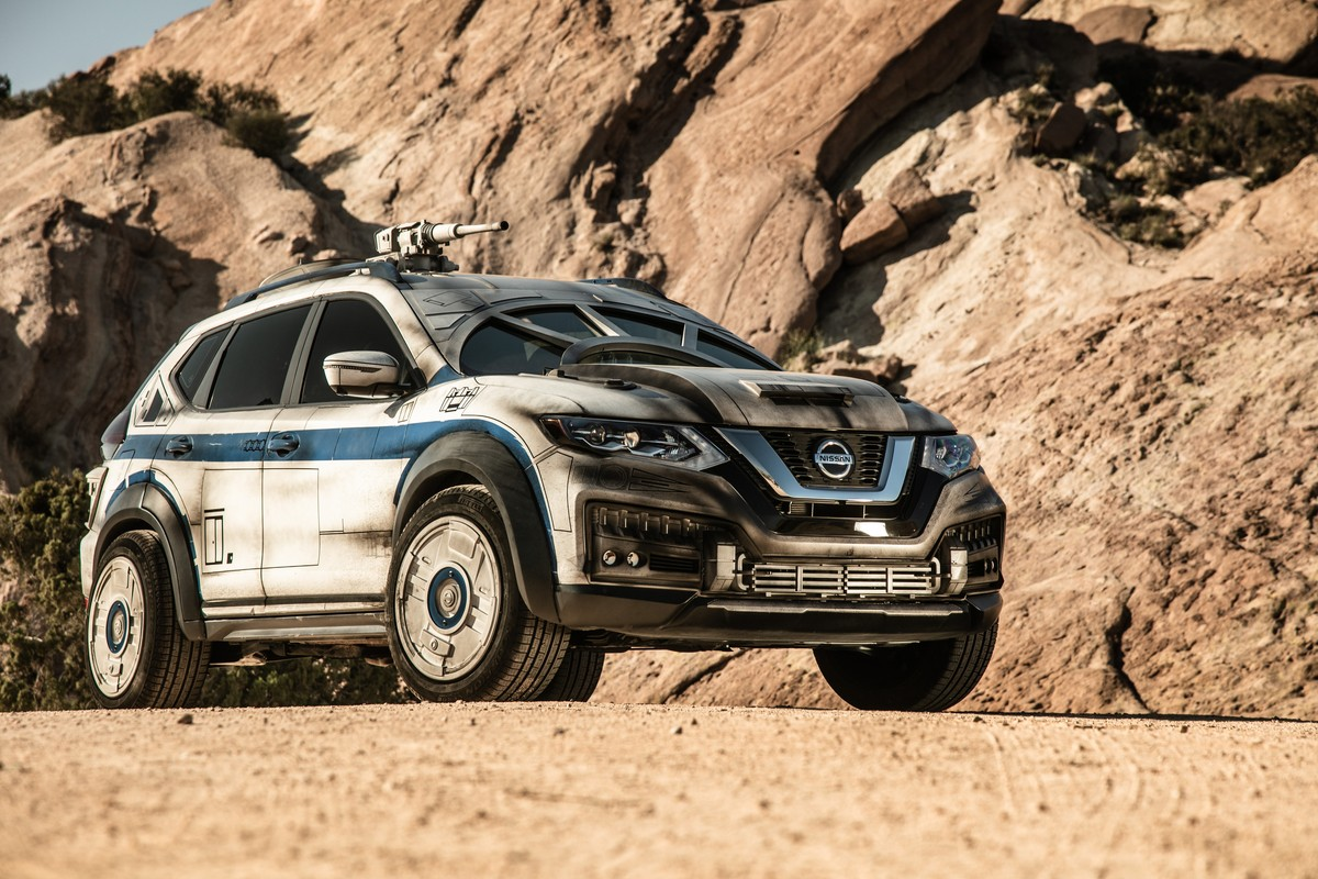 this nissan rogue is no millennium falcon even though it looks like one autoevolution. Black Bedroom Furniture Sets. Home Design Ideas
