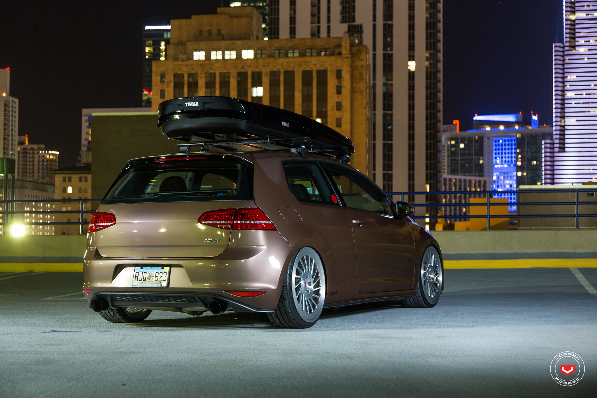 toffee brown golf gti gets a new set of lip concept vossen wheels autoevolution. Black Bedroom Furniture Sets. Home Design Ideas