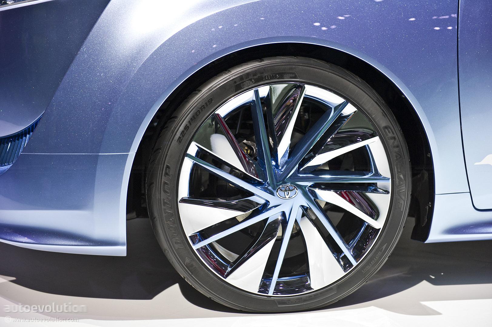 Tokyo 2011: Toyota FCV-R Concept Previews Production Fuel Cell Car ...