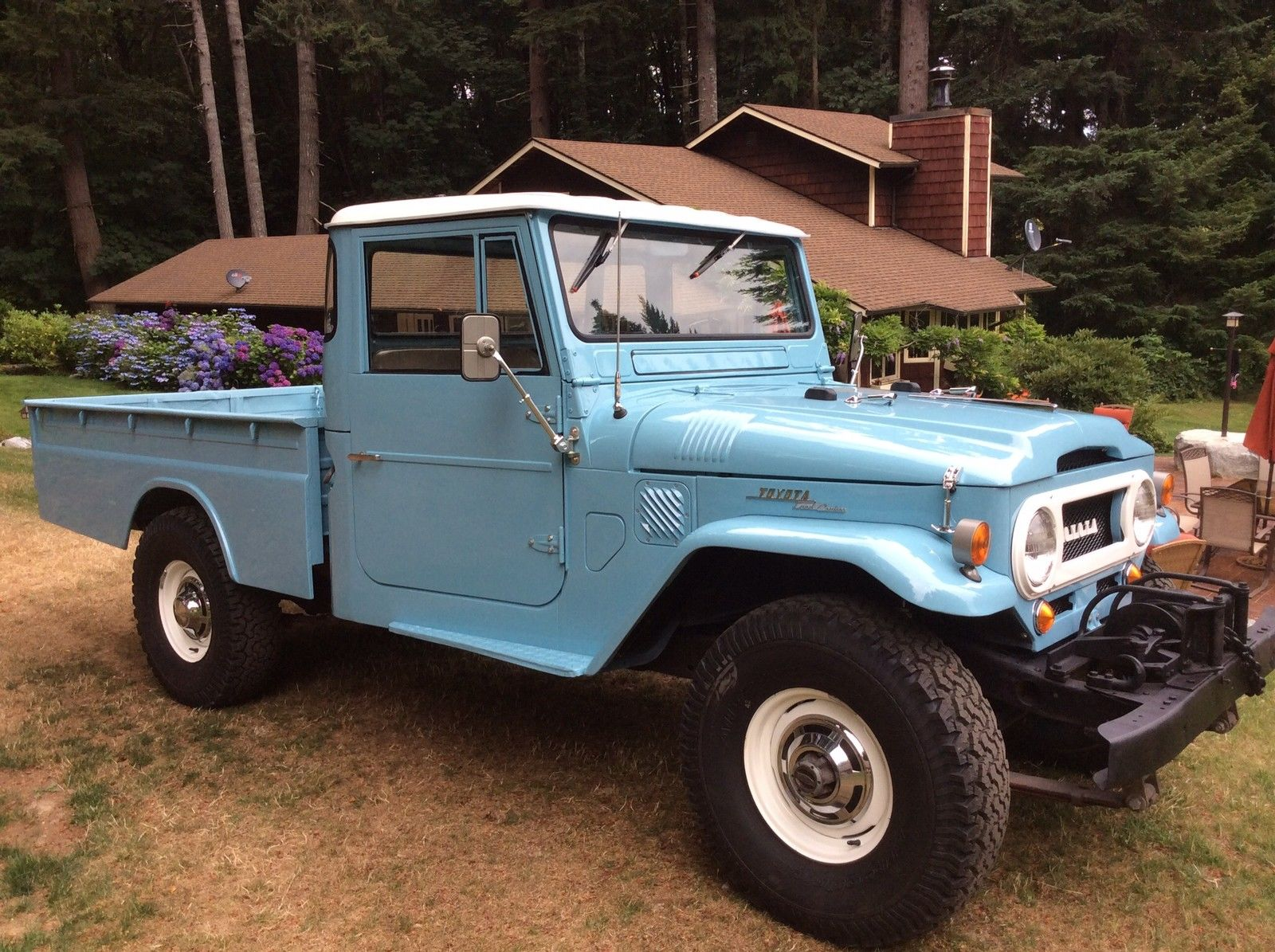 top condition toyota land cruiser fj45 pickup waiting for you autoevolution. Black Bedroom Furniture Sets. Home Design Ideas