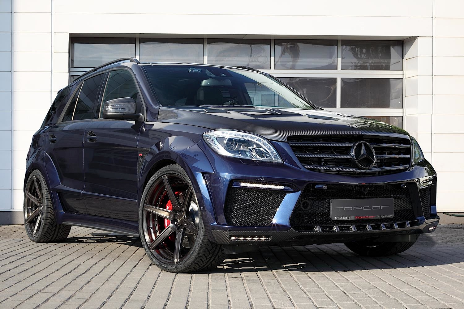 Topcar 39 s ml 63 amg inferno in dark blue looks eerie for Best looking mercedes benz models