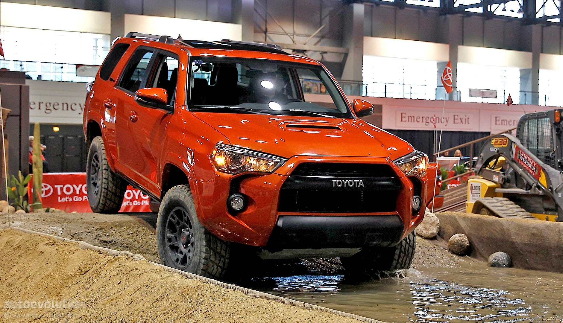 Toyota 4Runner TRD Pro Shines at 2014 Chicago Show [Live