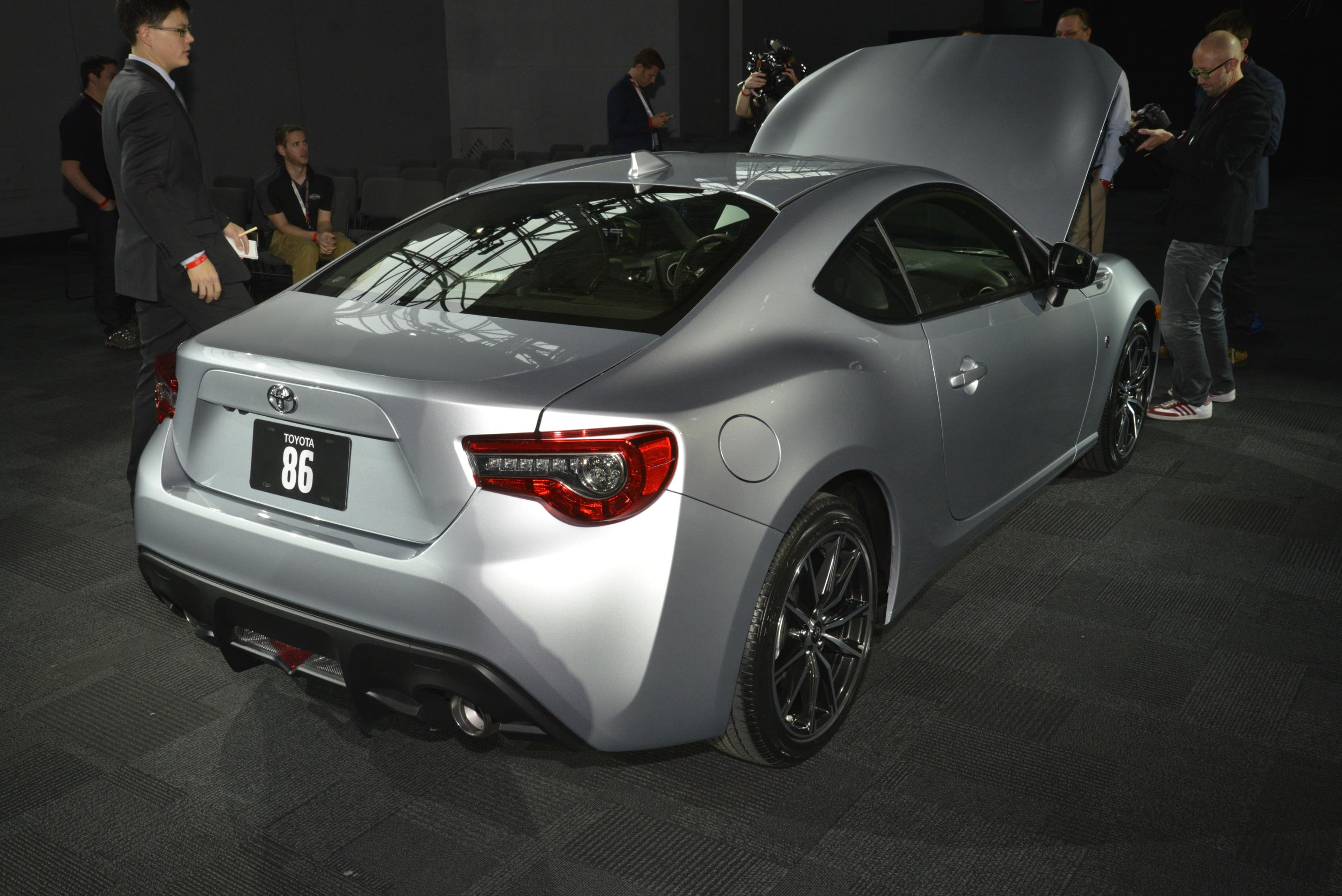 2017 toyota 86 puts an angry face on at the new york auto show autoevolution. Black Bedroom Furniture Sets. Home Design Ideas