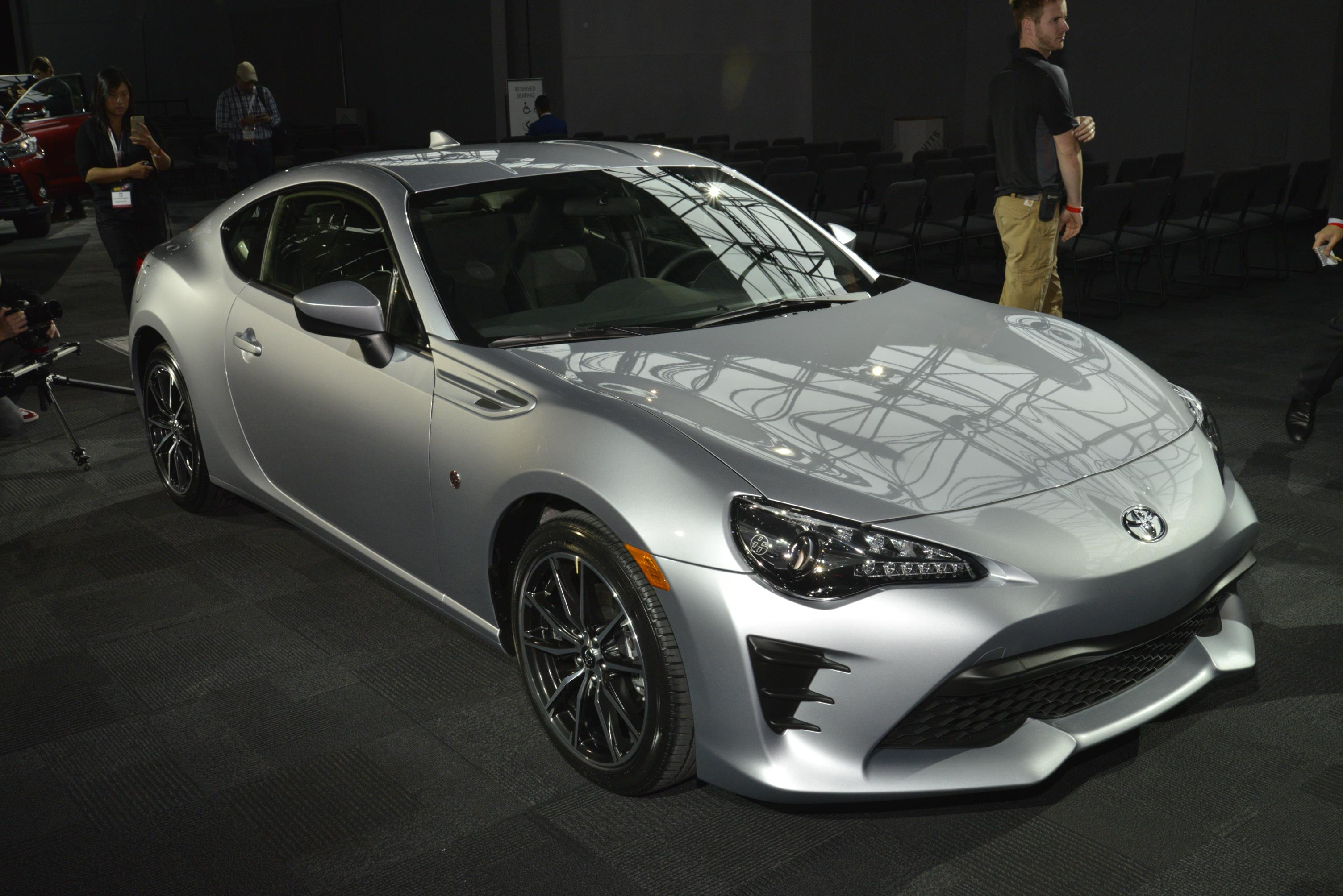 2017 toyota 86 puts an angry face on at the new york auto show autoevolution