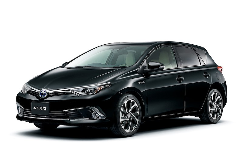 Toyota auris hybrid and 120t rs package launched in japan autoevolution