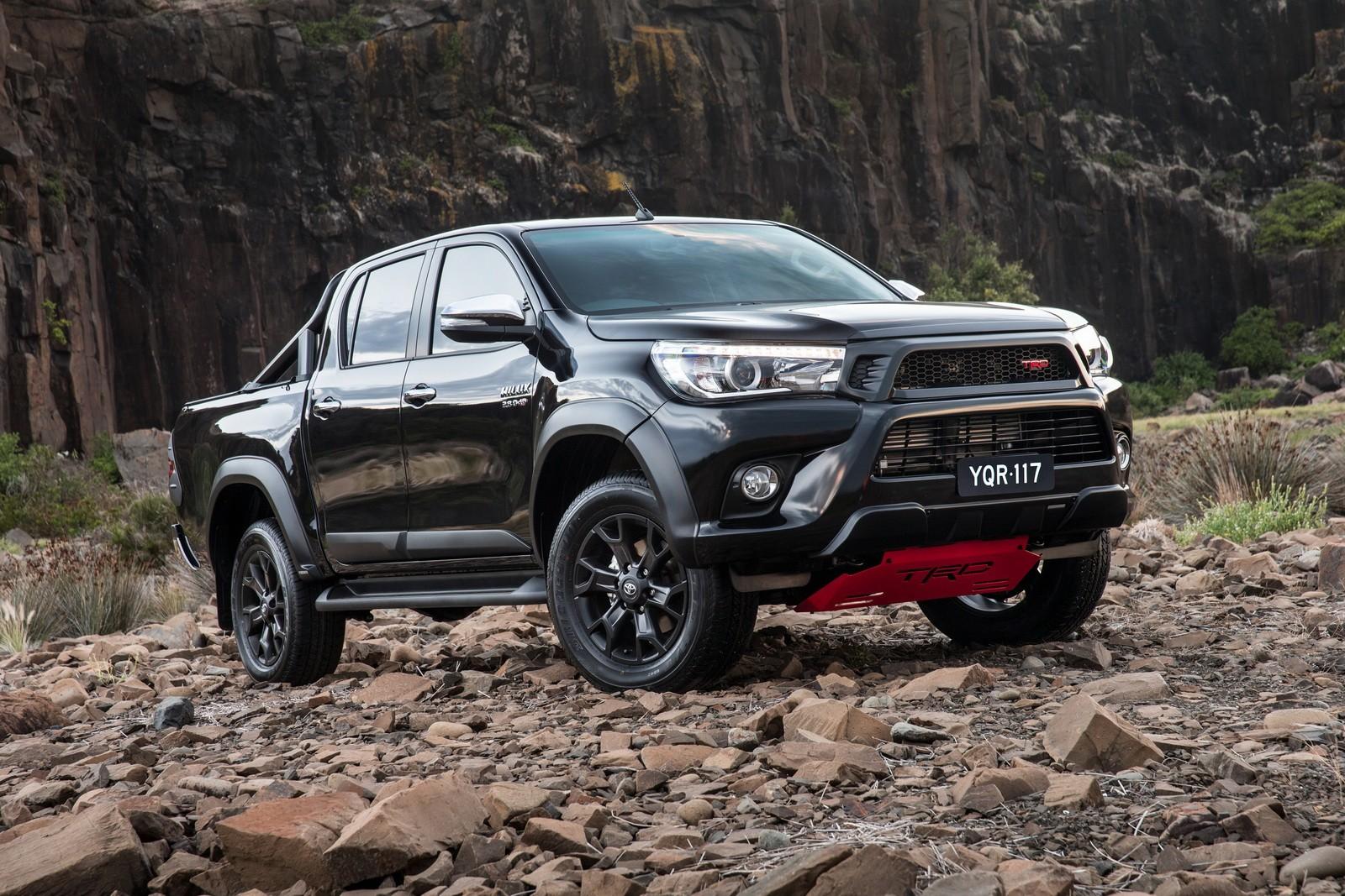 Toyota Tundra Limited >> Killing a Toyota Hilux, the Arabian Style - autoevolution