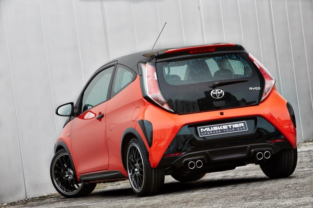 toyota aygo receives quad exhaust looks ready to kick. Black Bedroom Furniture Sets. Home Design Ideas