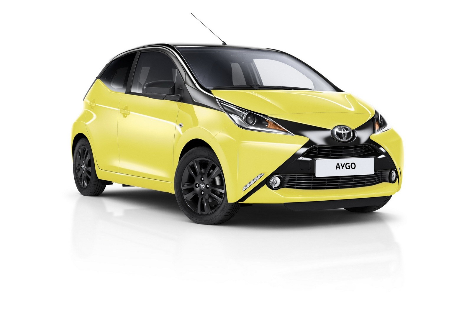 Toyota Aygo stars in invisible driver prank