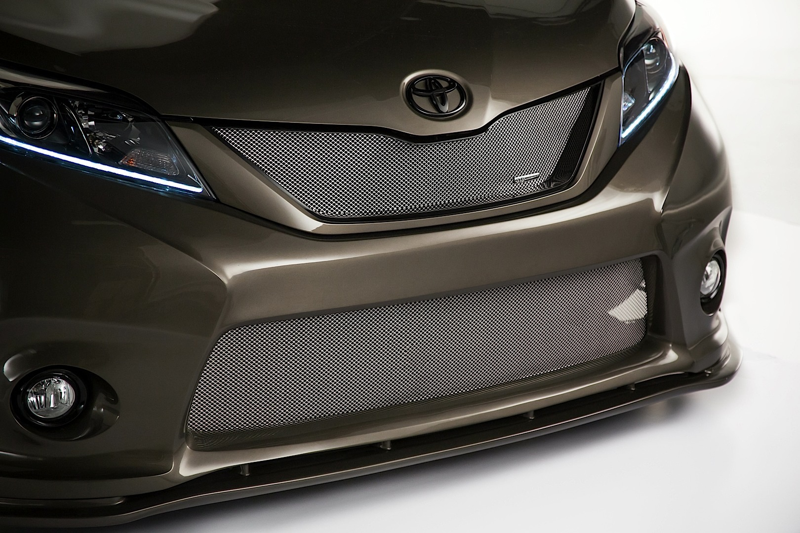 Toyota Ft 1 Concept Price >> Toyota Bringing Widebody Sienna, Yaris, Baja Trucks and FT-1 Concept to 2014 SEMA - autoevolution