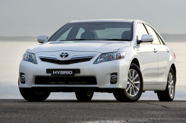 toyota camry hybrid breaks cover in australia autoevolution. Black Bedroom Furniture Sets. Home Design Ideas