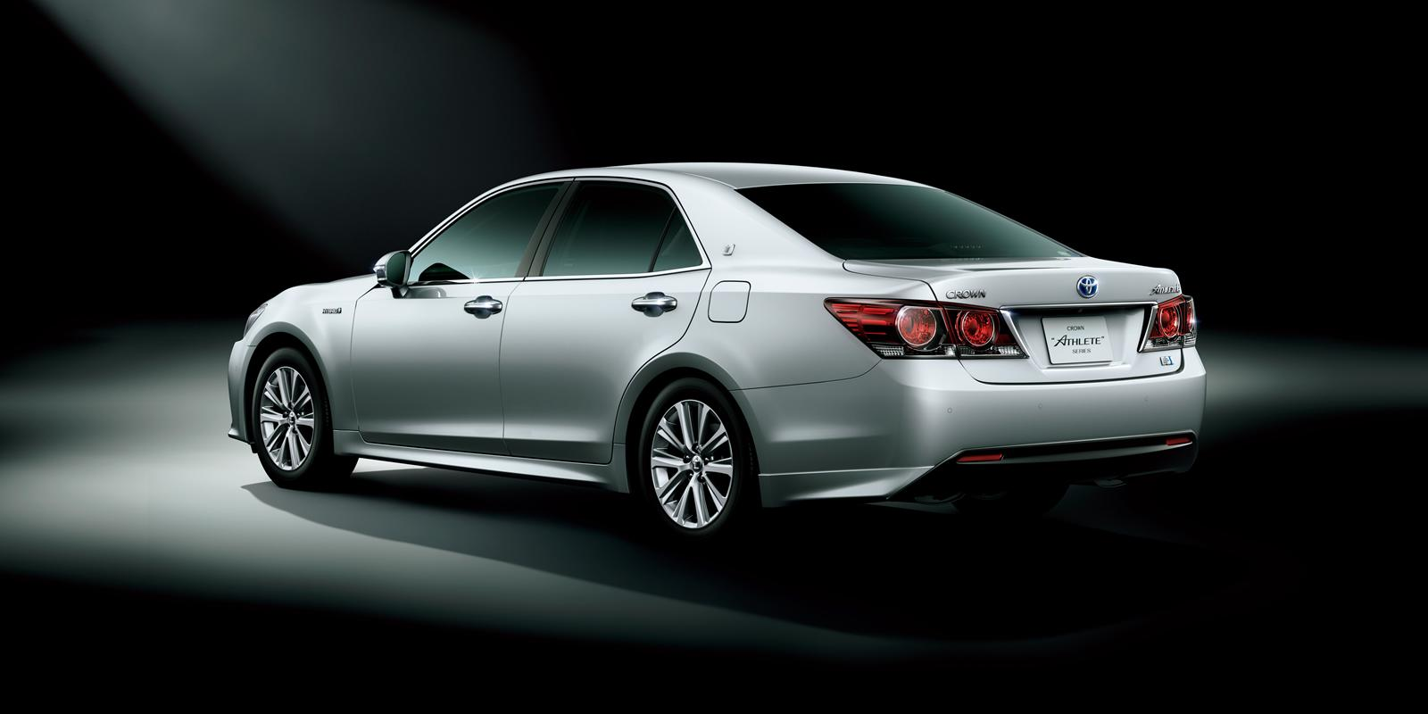 2015 Toyota Avalon For Sale >> 2014 Toyota Crown Athlete Is a Cool Sedan You Can't Have ...