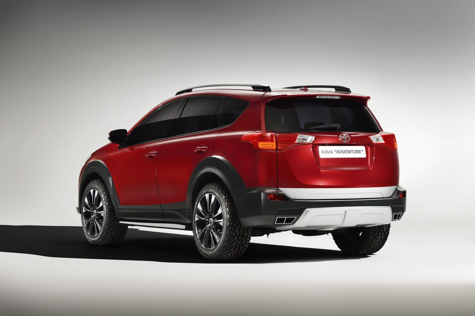 toyota gets tough luxurious with new rav4 concepts autoevolution. Black Bedroom Furniture Sets. Home Design Ideas