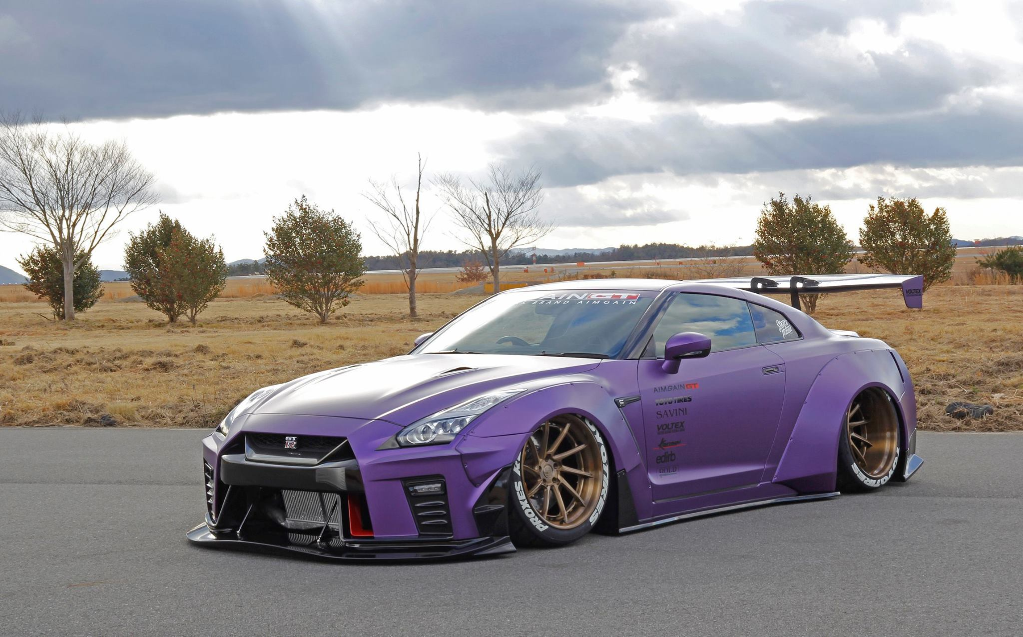 Toyota Gt 86 And Nissan Gt R Widebody Duo From Aimgain