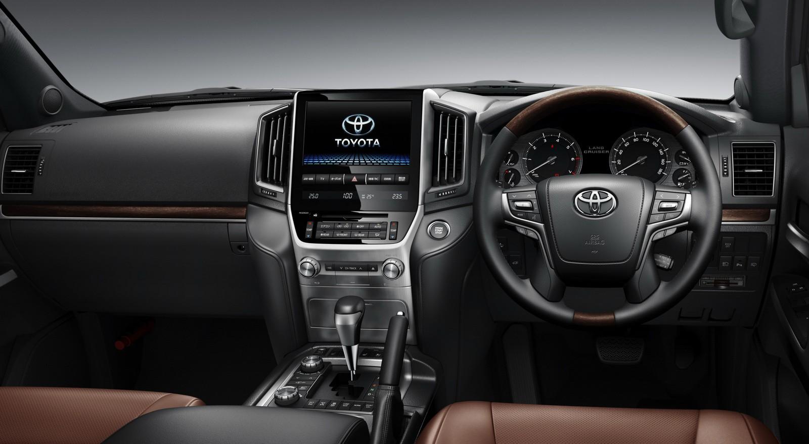 Toyota Land Cruiser 200 facelift Toyota Land Cruiser 200 facelift ...