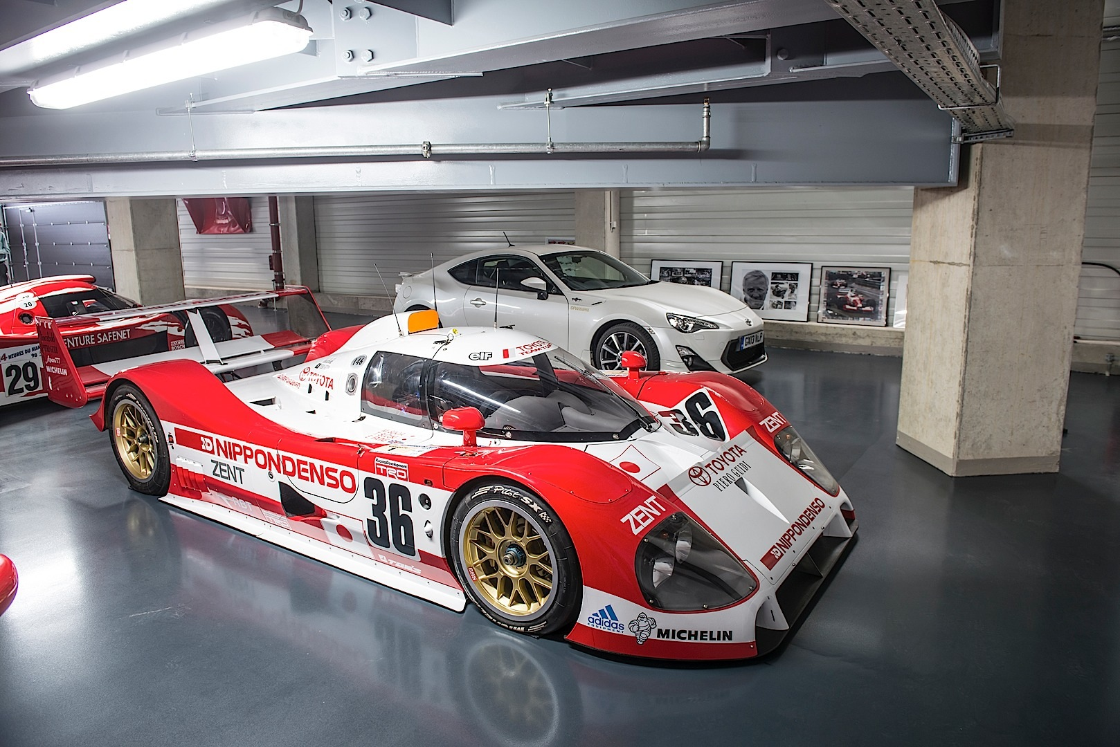 toyota le mans history under one roof autoevolution. Black Bedroom Furniture Sets. Home Design Ideas