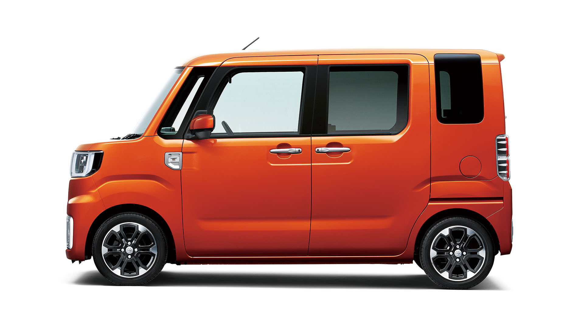 Toyota Pixis Mega Is Japan S Newest Ultra Cute Kei Car Autoevolution