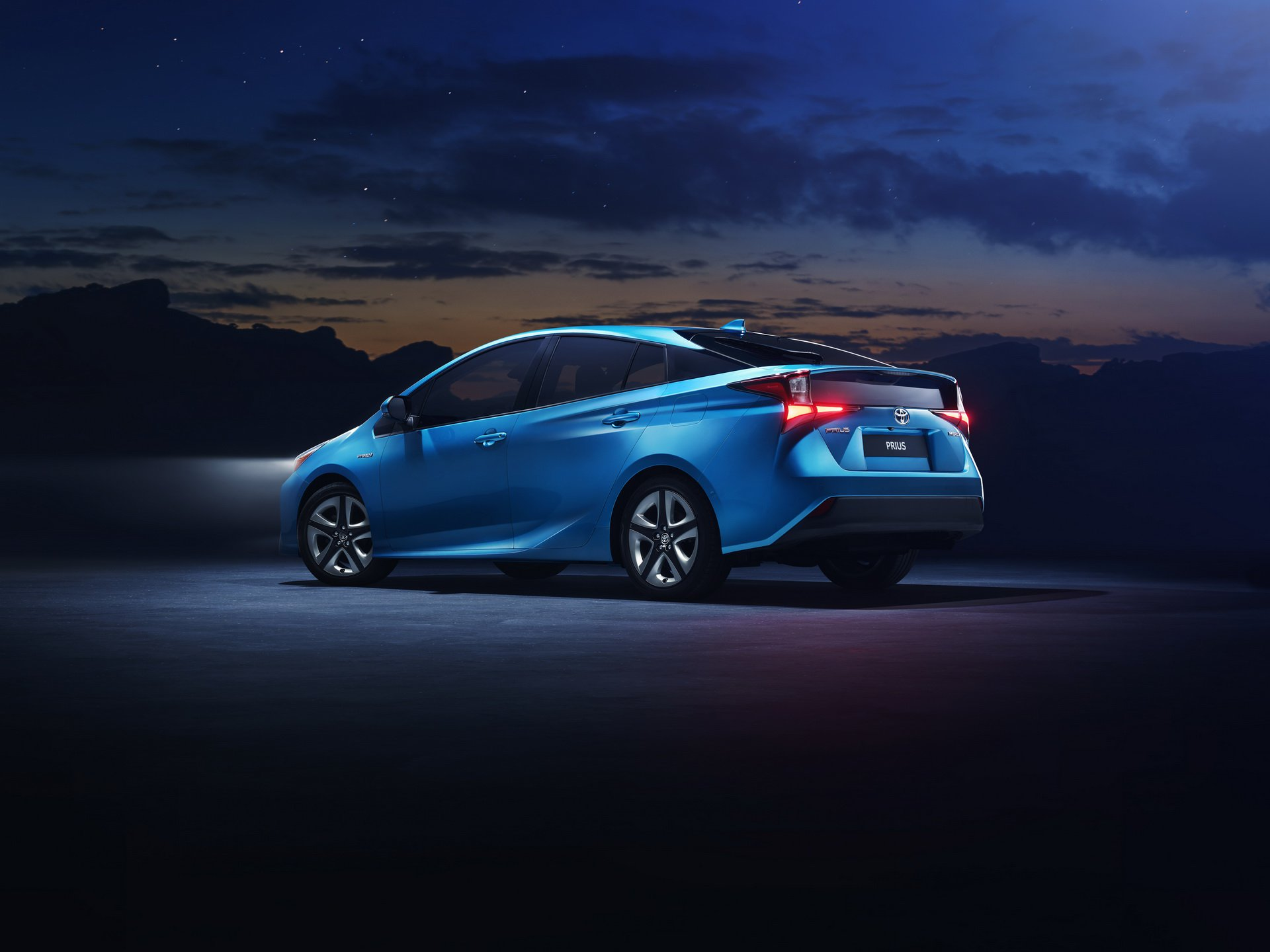 Toyota Prius Awd I