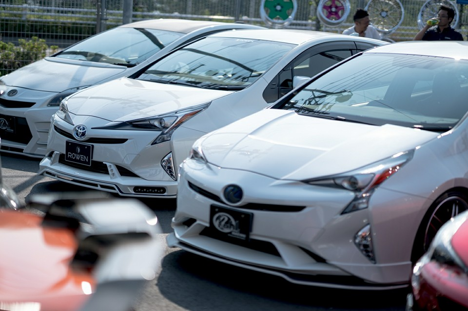 Toyota Prius Gathering in Japan Is All About Quad Exhausts ...