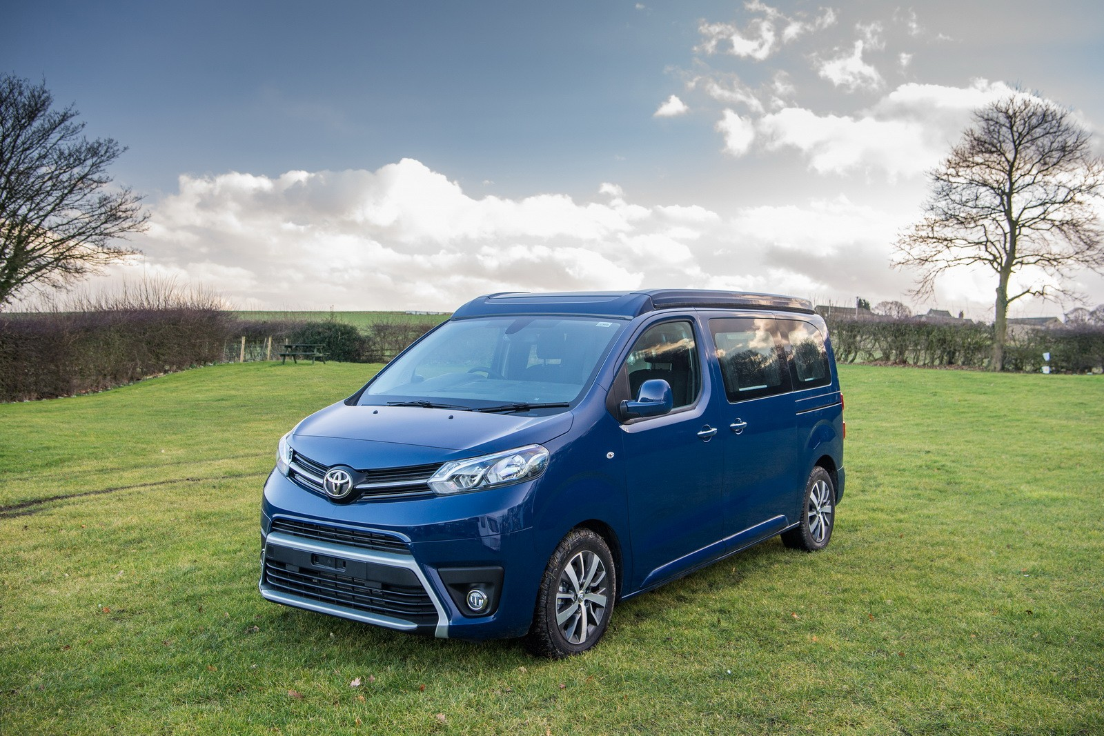 toyota proace lerina camper van looks set to rival vw california autoevolution. Black Bedroom Furniture Sets. Home Design Ideas