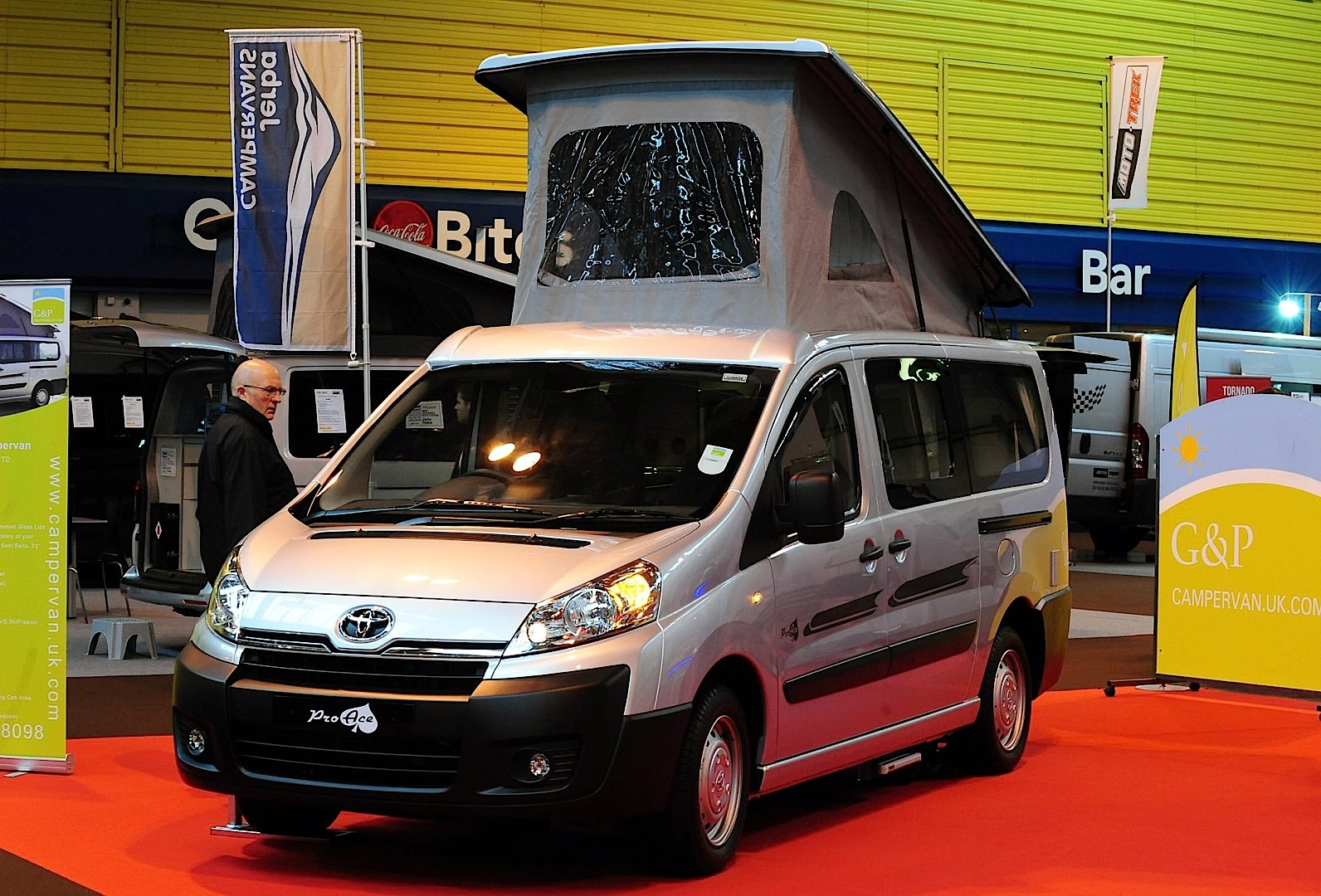 toyota proace turns into campervan in the uk autoevolution. Black Bedroom Furniture Sets. Home Design Ideas