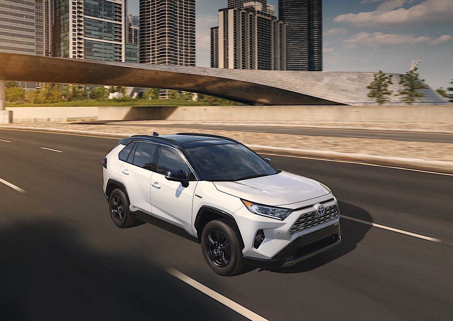 toyota reinvents 2019 rav4 shows the fifth generation in new york autoevolution. Black Bedroom Furniture Sets. Home Design Ideas