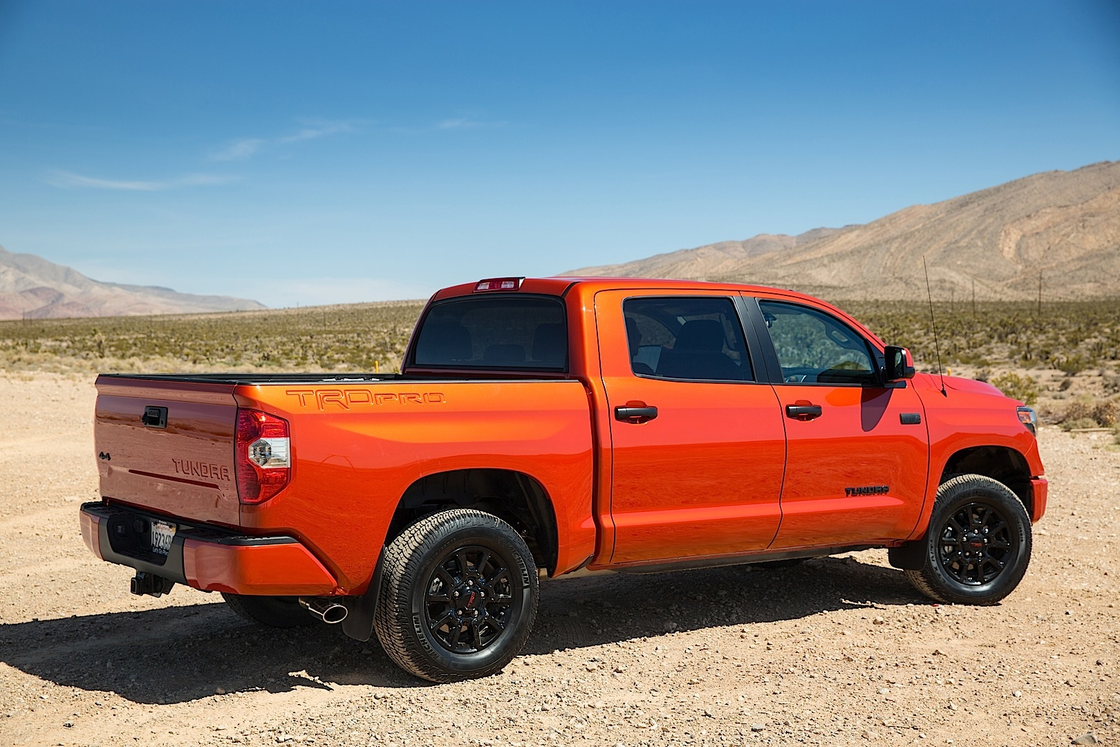 toyota tacoma and 4runner trd pro price released autoevolution. Black Bedroom Furniture Sets. Home Design Ideas