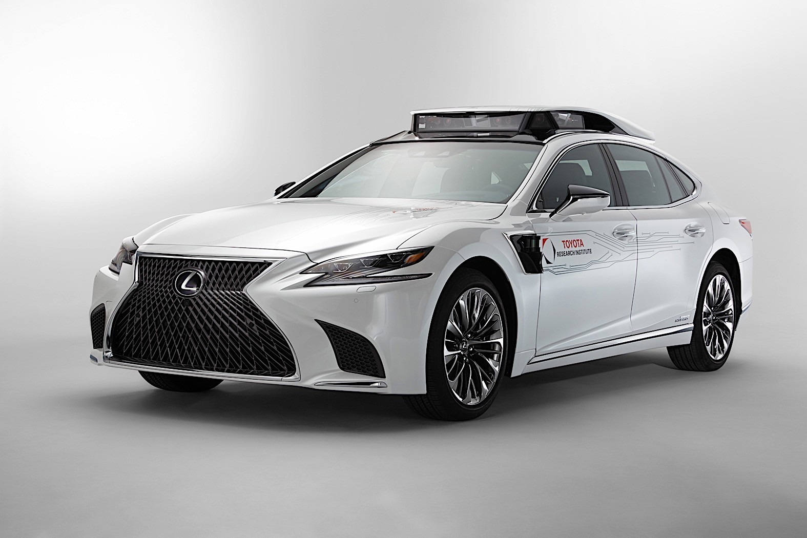 Toyota To Show P4 Autonomous Car Based On The Lexus Ls At
