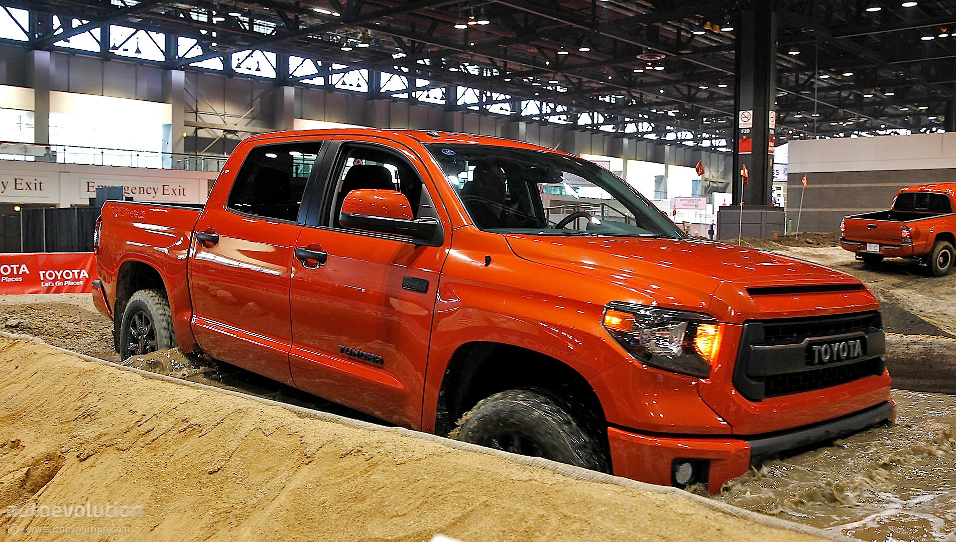 Toyota Tundra Trd Pro Details From 2014 Chicago Live